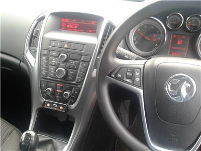 2015 Vauxhall Astra DESIGN CDTI ECOFLEX S/S 1598 Diesel Manual 6 Speed 5 Door Hatchback