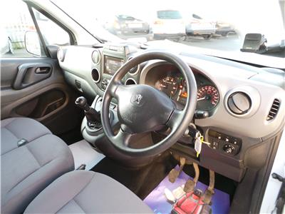 2015 Peugeot Partner Professional L1 850 HDi 92 SWB 1560 Diesel Manual 5 Speed L.C.V.