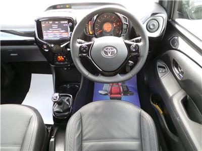 2014 Toyota Aygo x-clusiv VVT-i 998 Petrol Manual 5 Speed 5 Door Hatchback
