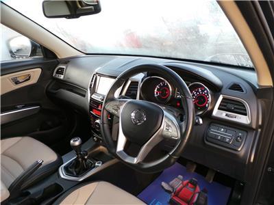2016 Ssangyong  Tivoli ELX e-XGi 1597 Petrol Manual 6 Speed 5 Door Hatchback