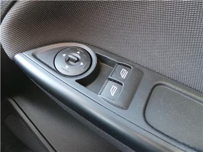 2014 FORD FOCUS ZETEC 999 PETROL MANUAL 6 Speed 5 DOOR HATCHBACK