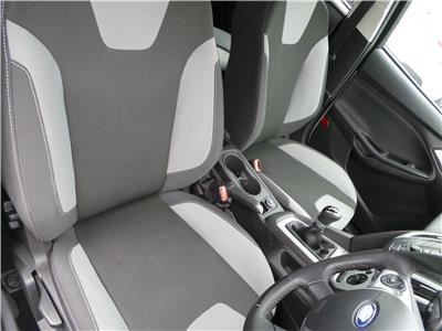 2012 FORD FOCUS ZETEC 999 PETROL MANUAL 5 Speed 5 DOOR HATCHBACK