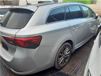 2015 TOYOTA AVENSIS D-4D BUSINESS EDITION