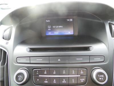 2015 FORD FOCUS ZETEC TDCI 1560 DIESEL MANUAL 6 Speed 5 DOOR HATCHBACK