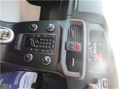 2013 VOLVO V40 D2 ES 1560 DIESEL MANUAL 6 Speed 5 DOOR HATCHBACK