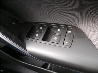 2016 VAUXHALL INSIGNIA SRI VX-LINE CDTI S/S 1598 DIESEL MANUAL 6 Speed 5 DOOR HATCHBACK