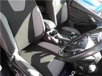 2011 FORD FOCUS ZETEC 1596 PETROL MANUAL 5 Speed 5 DOOR HATCHBACK
