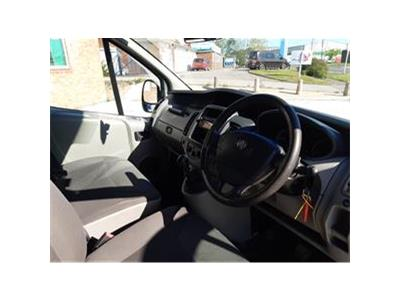 2013 VAUXHALL VIVARO COMBI CDTI 8 SEAT MINIBUS 1995 DIESEL MANUAL 6 Speed VAN