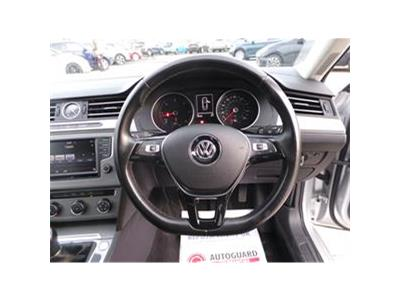 2015 VOLKSWAGEN PASSAT S TDI BLUEMOTION TECHNOLOGY 1598 DIESEL MANUAL 6 Speed 4 DOOR SALOON