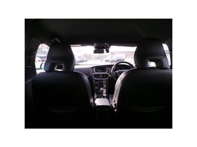 2015 VOLVO V40 D4 R-DESIGN LUX NAV 1969 DIESEL AUTOMATIC 8 Speed 5 DOOR HATCHBACK