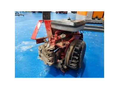YANMAR BRIGGS AND STRATTON PETROL ENG    TRACTOR