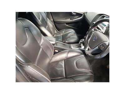 2016 VOLVO V40 D4 R-DESIGN LUX NAV 1969 DIESEL AUTOMATIC 8 Speed 5 DOOR HATCHBACK