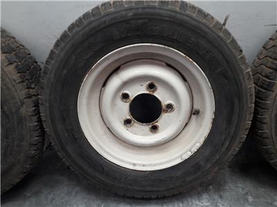 Set Of 16 Inch LAND ROVER DEFENDER Steel Wheels & Part Worn Tyres 205/80/16