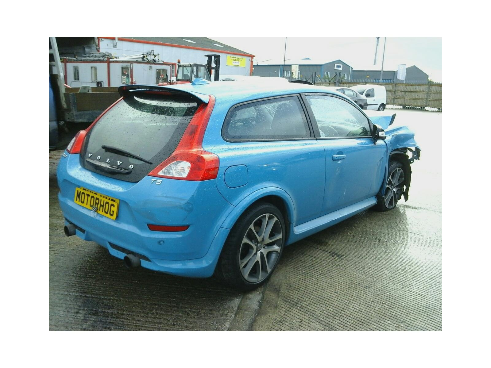 2013 Volvo C30 2010 On 3 Door Coupe (Petrol / Manual) breaking for