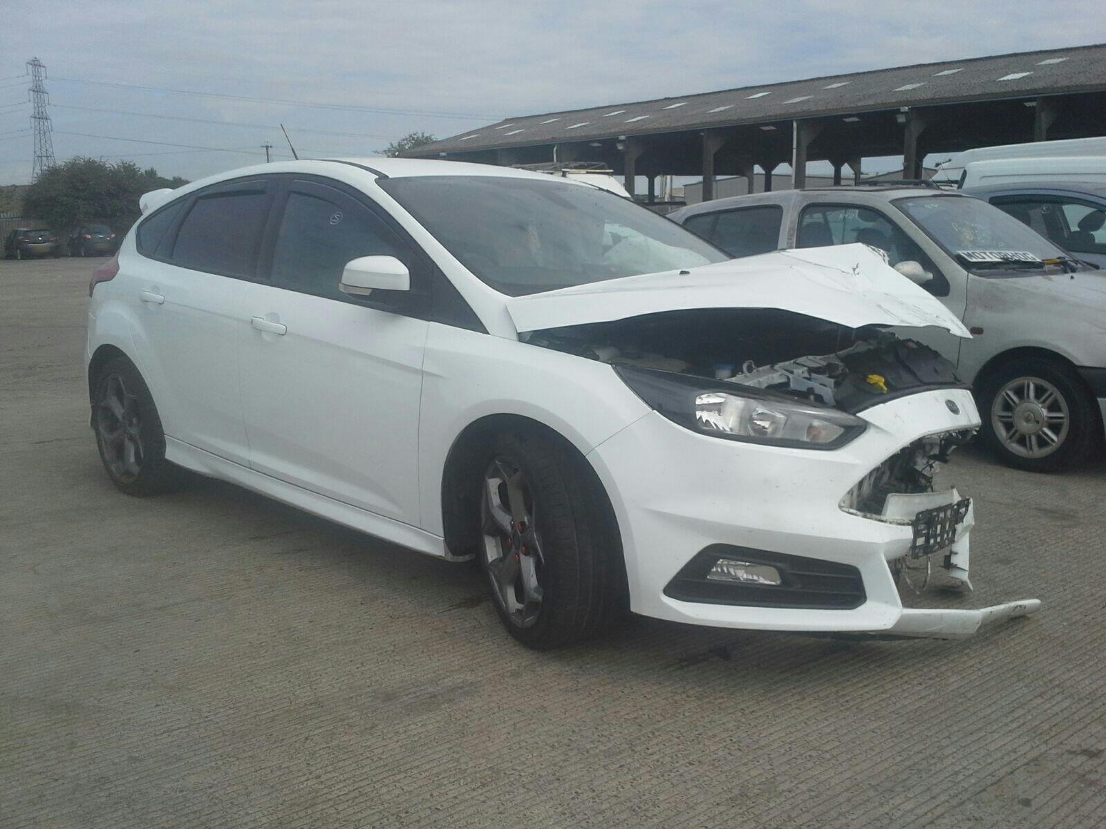 2015 Ford Focus 2014 On WHITE Bumper Rear Reinforcement