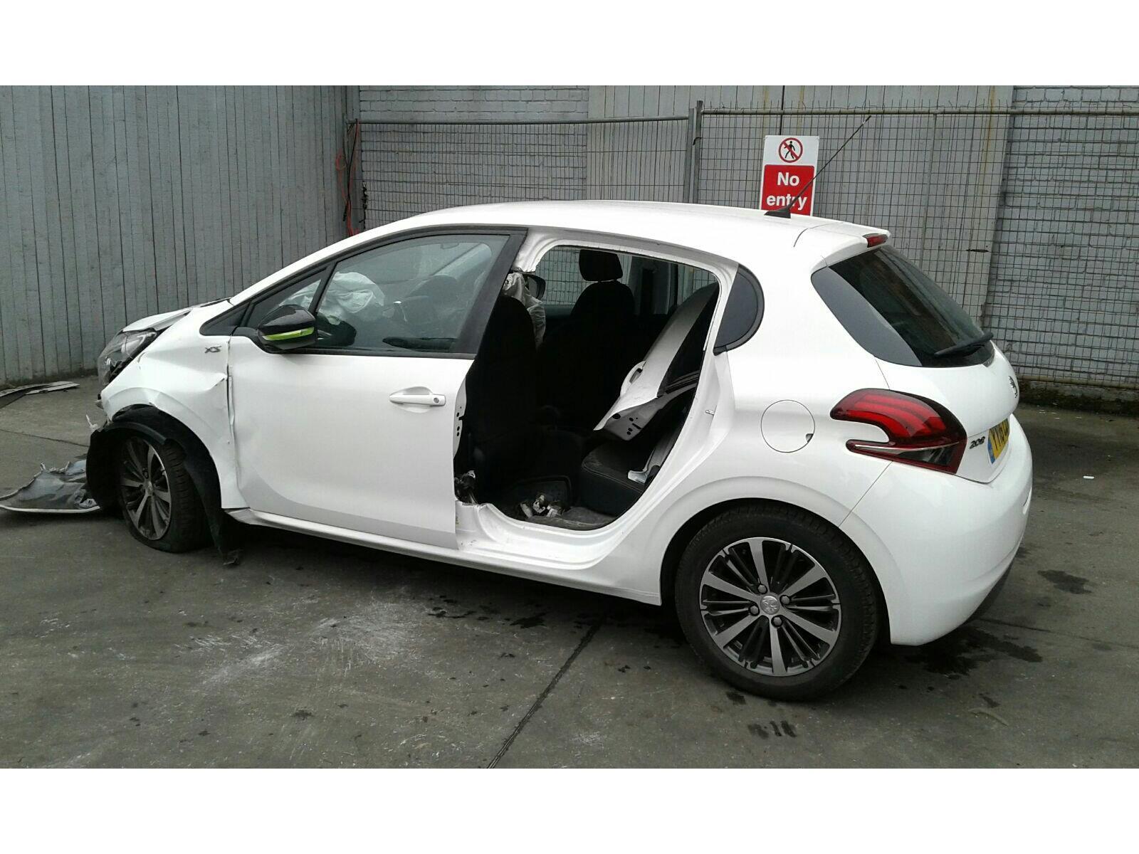 2016 peugeot 208 2015 on 5 door hatchback (petrol / manual) breaking