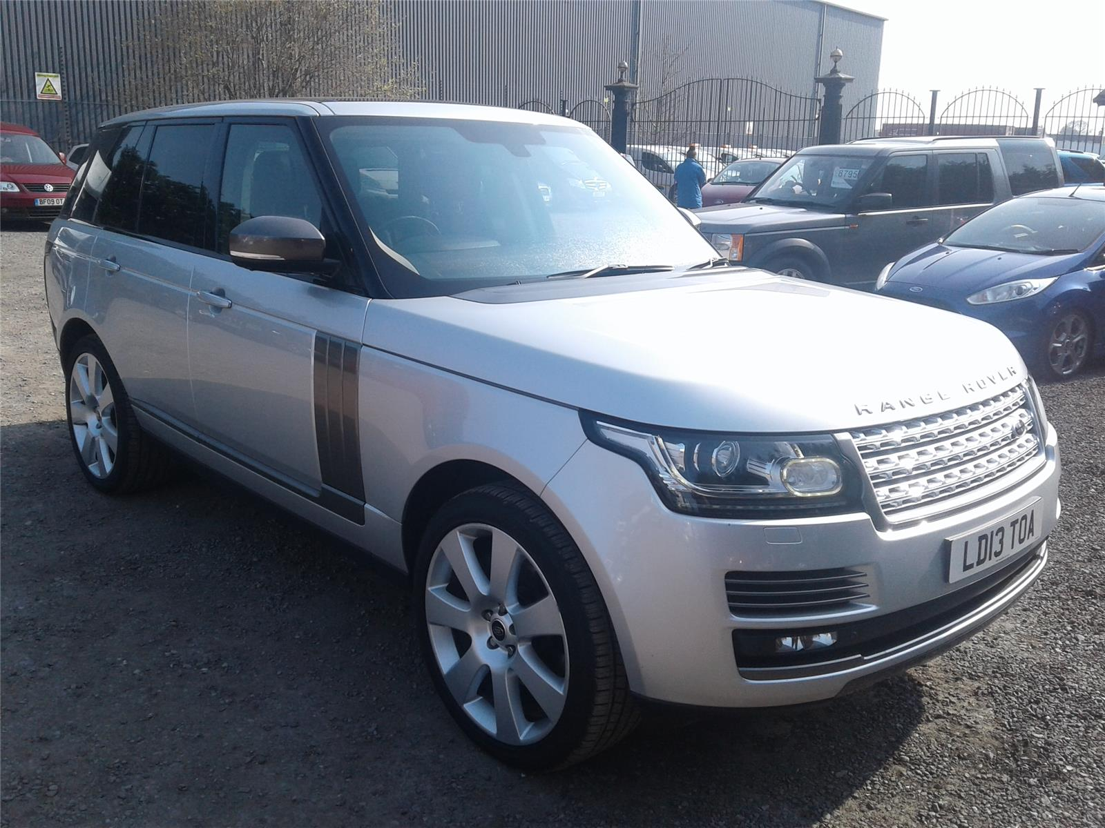 2013 Land Rover Range Rover Autobiography SDV8 4WD 4367 Diesel Automatic 8 Speed 5 Door Estate