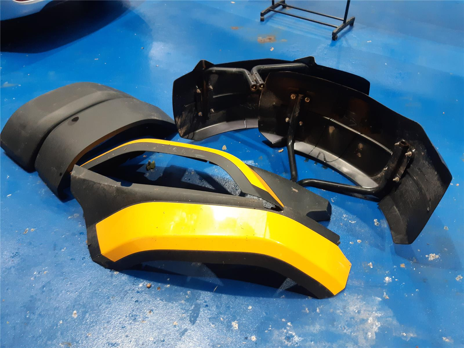 JCB JCB FENDERS AND BRACKETS    TRACTOR