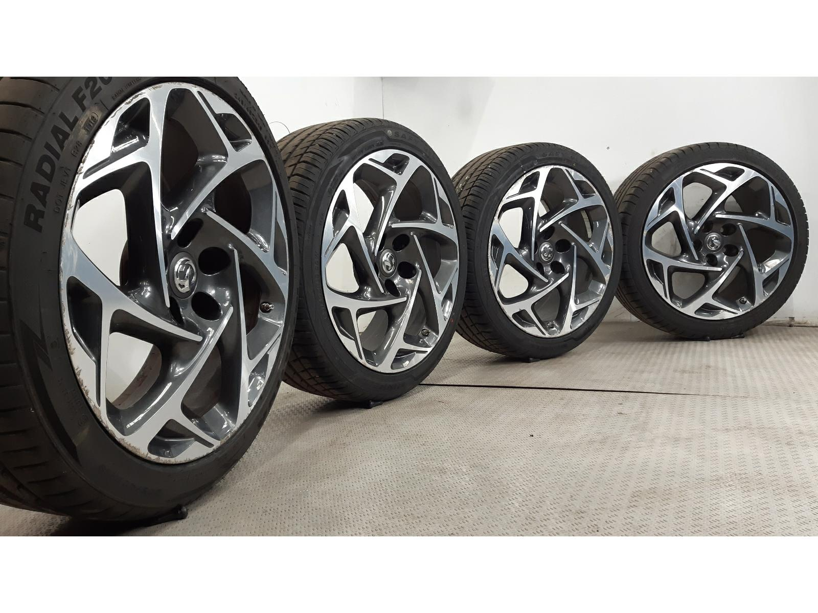 Set Of Genuine 19 Inch VAUXHALL INSIGNIA Alloy Wheels & Tyres 5x120 39019114