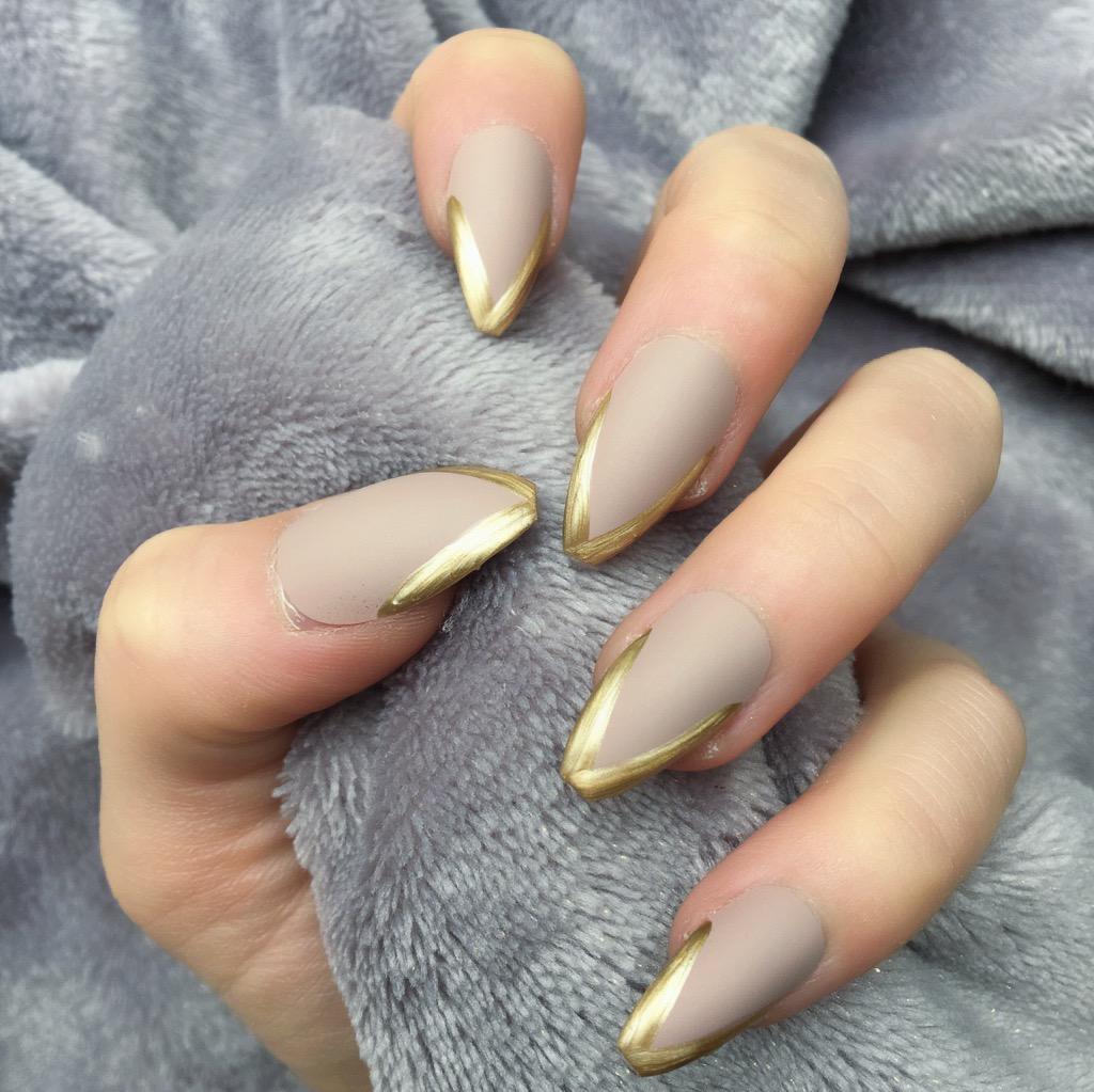 Light Mani Mocha Matte Gold Coffin