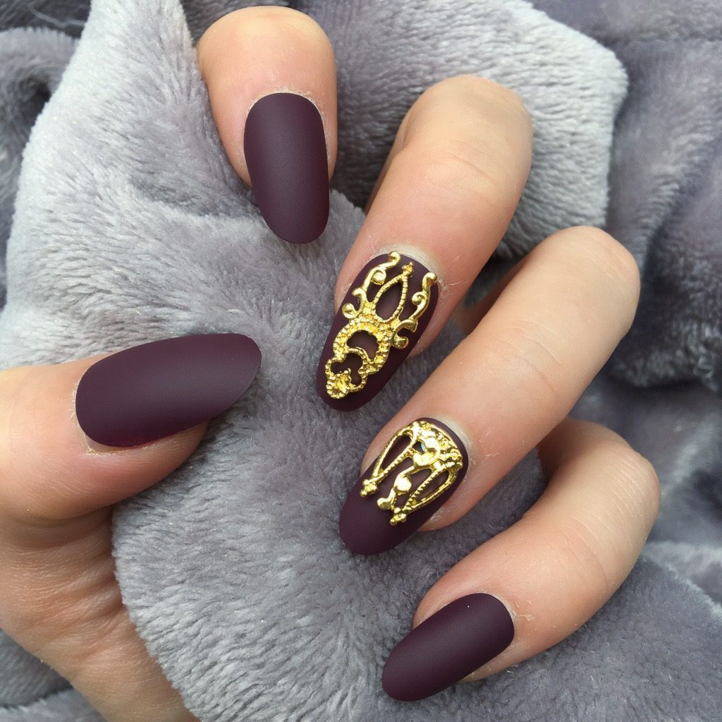 Maroon Matte Gold Accent Oval – Doobys Nails
