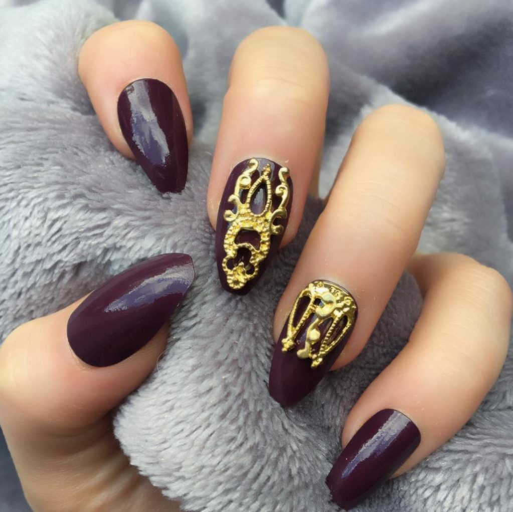 Maroon Gloss Gold Accent Coffin – Doobys Nails
