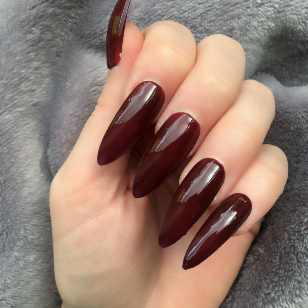 Heat Change Dark Red Gloss To Bright Long Stiletto