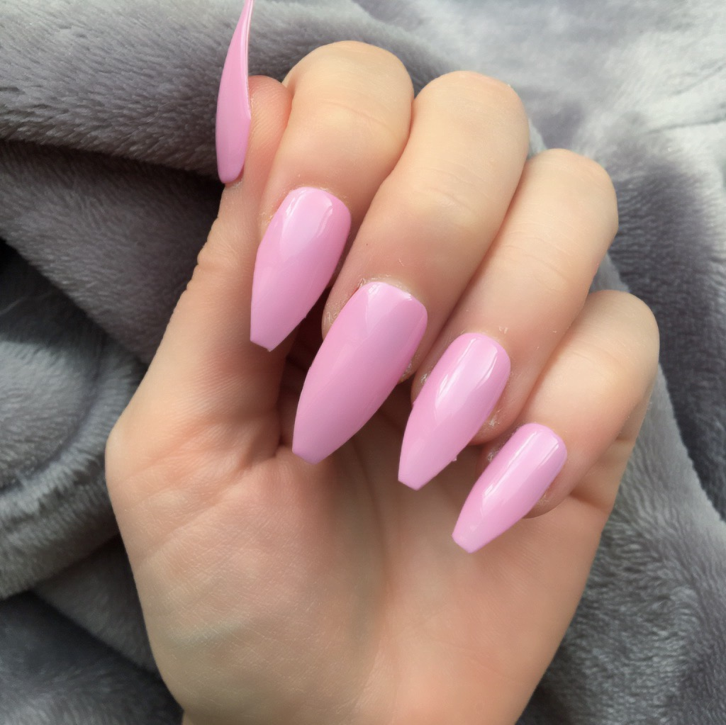 Heat Change Grey Gloss to Pink Long Coffin – Doobys Nails