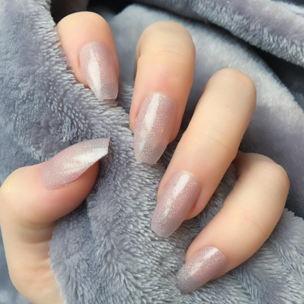 Holographic Neutral – Doobys Nails