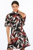 m/593/11772-8-_High_Neck_Tropical_Leaf_Print_Dress_In_Black-2__87359.jpg