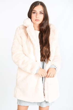 i/705/2166-_Pastel_fur_coat_in_pink-2-min__61756.jpg