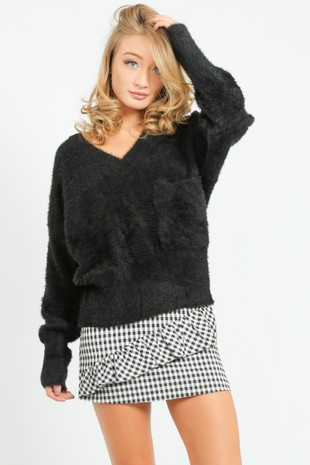 b/928/73588-_V-Neck_knit_In_Black__99479.jpg