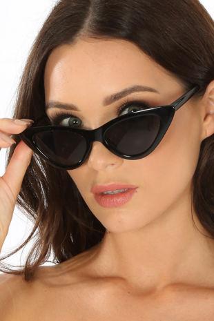 Cat Eye Sunglasses In Black