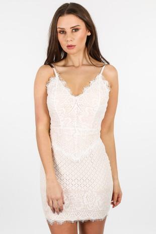 i/155/W2382-_Contrast_Lace_Dress_In_White-2__84950.jpg