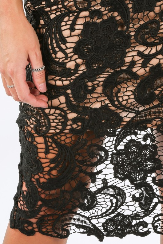 a/670/11451-_Crochet_Contrast_Plunge_Neck_Bodycon_Dress_Black-6__89489.jpg