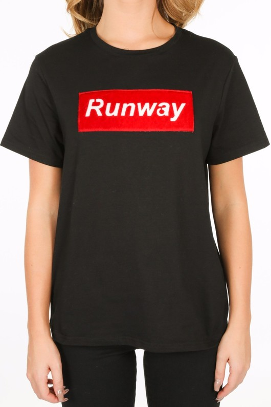 y/204/11796-_Runway_T-shirt_in_black-5__66408.jpg