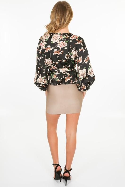 n/391/11809-_Floral_blouse_in_black-4-min__82263.jpg