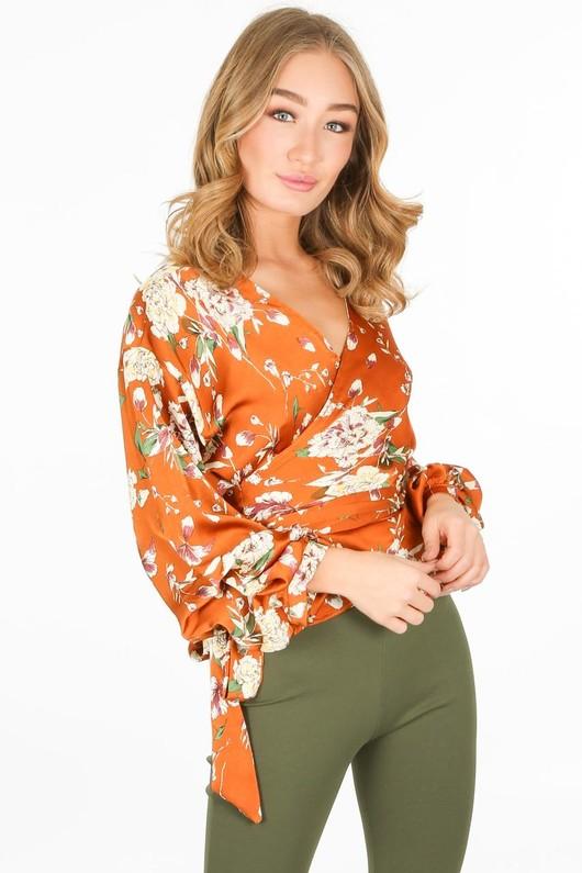 b/327/11809-_Floral_blouse_in_camel-2-min__00938.jpg