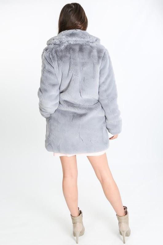 i/741/2166-_Pastel_fur_coat_in_grey-4-min__05200.jpg