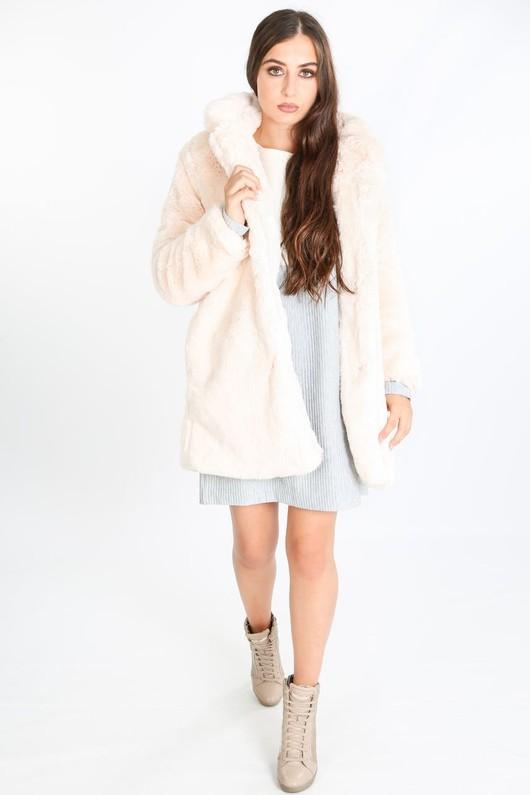 o/551/2166-_Pastel_fur_coat_in_pink-min__64228.jpg
