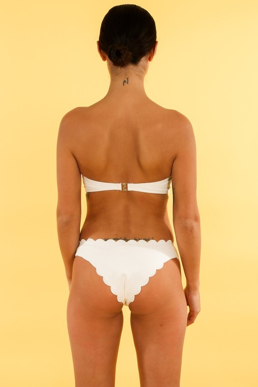m/467/21752-_Scallop_Edge_Bandeau_Bikini_In_White-4__89680.jpg