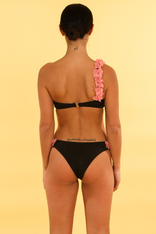 m/890/21769-_One_Shoulder_Petal_Detail_Bikini_In_Black-3__73760.jpg