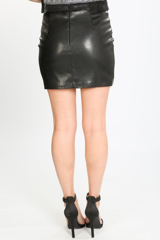 f/847/21848-_Mini_PU_skirt_with_curved_hem-5-min__87762.jpg