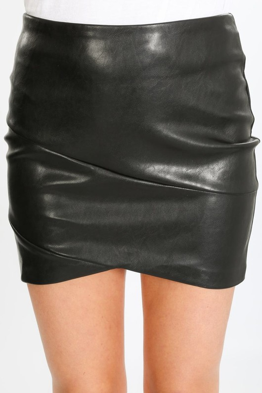 u/820/21848-_Mini_PU_skirt_with_curved_hem-7-min__54057.jpg