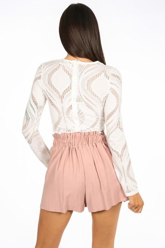 v/108/21889-_Long_Sleeve_Wavy_Lace_Bodysuit_In_White-3__24797.jpg