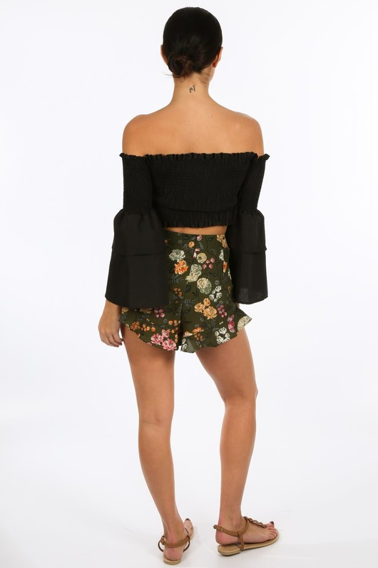 m/064/3026-_Floral_Printed_Frill_Hem_Shorts_In_Green-4__55738.jpg