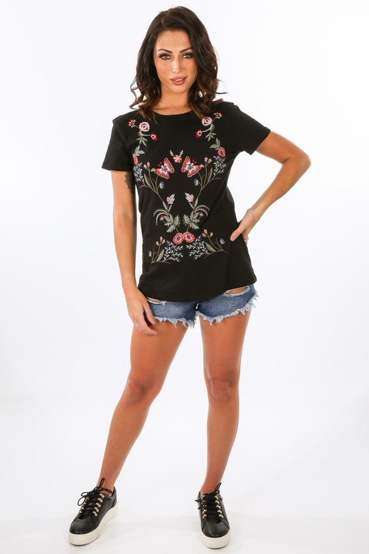 s/159/31153-_Floral_Embroidered_T-Shirt_In_Black__85661.jpg