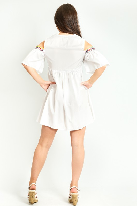 e/334/Cold_Shoulder_Crotchet_Detail_Dress_In_White-4__33595.jpg