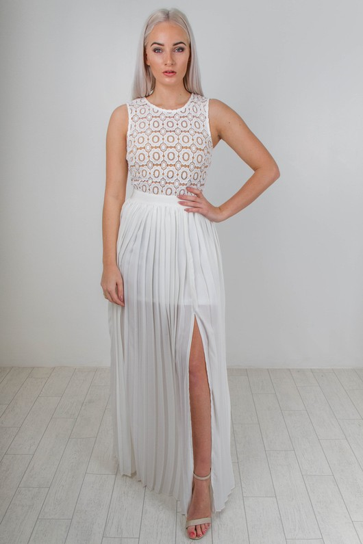 d/423/Crotchet_And_Chiffon_Pleated_Maxi_Dress_In_White_2__78818.jpg