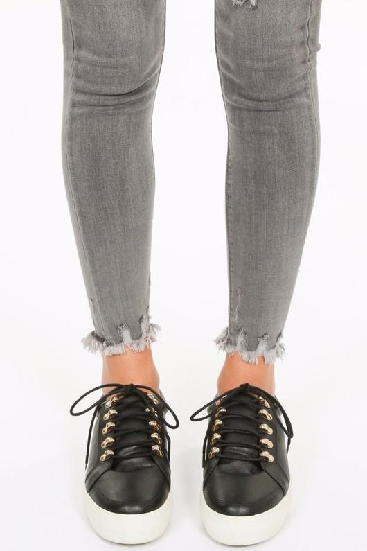 i/773/Distressed_grey_skinny_jeans-6__69269.jpg